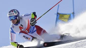 Marco Odermatt deutet seine Ambitionen im ersten Riesenslalom-Lauf der neuen Saison an