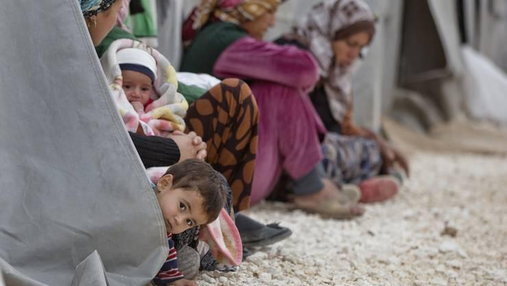 Das Hilfsprojekt «100 winterfeste Baracken für die Flüchtlinge aus Kobane» soll dafür sorgen, dass Flüchtlinge aus Syrien den kalten Winter nicht in Zelten verbringen müssen, sondern in Holzbaracken.