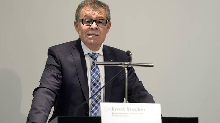 Ernst Stocker (FDP) verkündet eine angespannte Finanzlage im Kanton Zürich