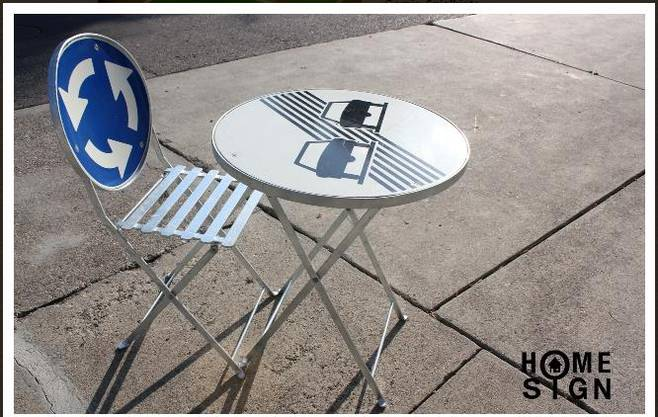 Klapptisch und Stuhl. Idee/Produktion: Massnahmenzentrum Uitikon, Zürich