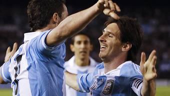Higuain feiert Messi (rechts), der auch gegen Brasilien glänzte