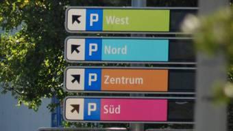 Die Parkplatzsuche soll bald ein Ende haben. (Symbolbild)