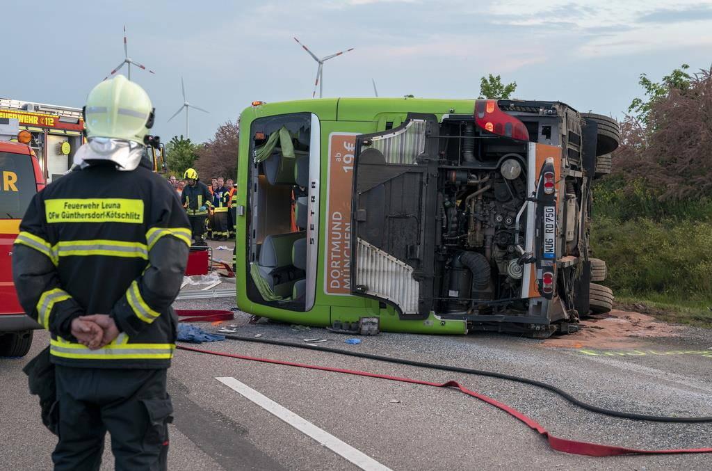Flixbus-Unfall bei Leipzig (© Keystone)