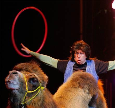 Viktor Giacobbo alias Kiffer Fredi Hinz 2006 im Circus Knie. Keystone