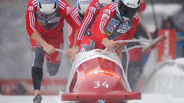 Beat Hefti gewann erstmals ein Weltcuprennen im Viererbob