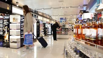 Duty-Free: Die WHO will Zigaretten aus diesen Läden verbannen.