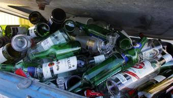 Die städtische Abfallrechnung geht in Basel nicht mehr auf. Nun soll auch die Entsorgung von Wertstoffen wie Papier und Glas kostendeckend finanziert werden.