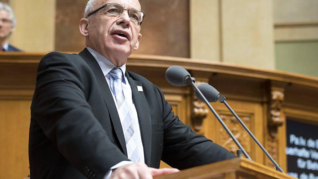 Finanzminister Ueli Maurer warnte im Nationalrat vergeblich vor neuen Spartegeln. Betroffen wäre zum Beispiel die Bildung, sagte er.