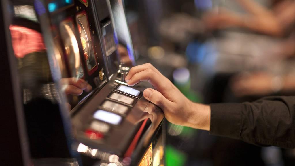 Illegale Glücksspiele und unversteuerter Alk