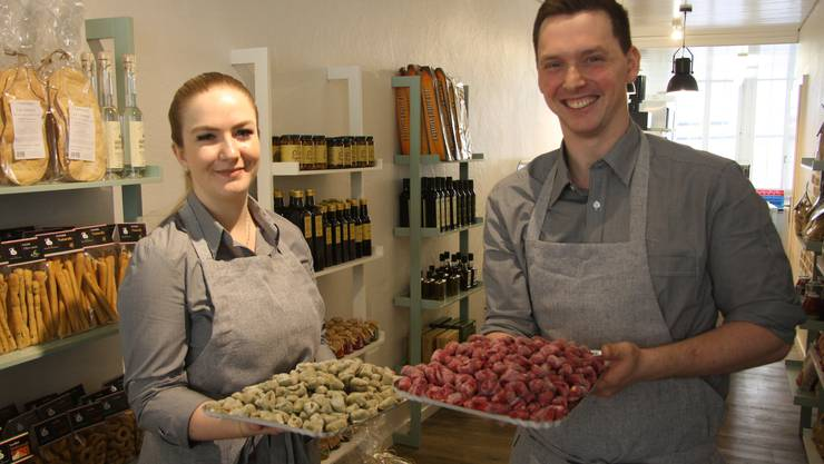 Delia Di Maio und Tom Meier freuen sich über ihre Gnocchi.