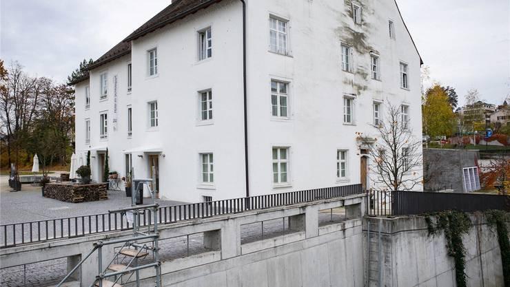 Das Imhof-Haus wurde wohl um 1591/1592 erbaut – die Flecken an der Fassade sind aber deutlich jüngeren Datums.