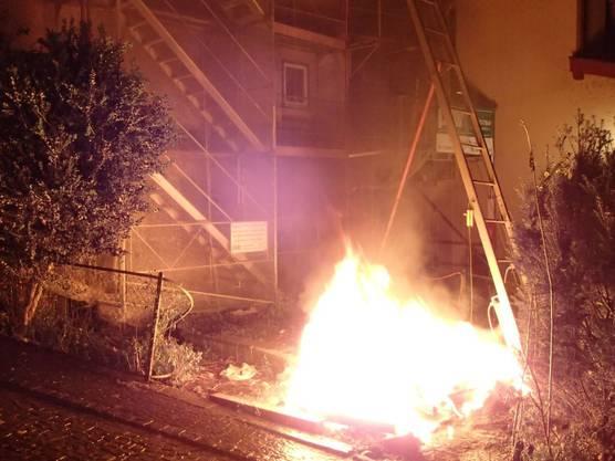 In Brugg wurde ein Toi Toi-WC in Brand gesetzt.