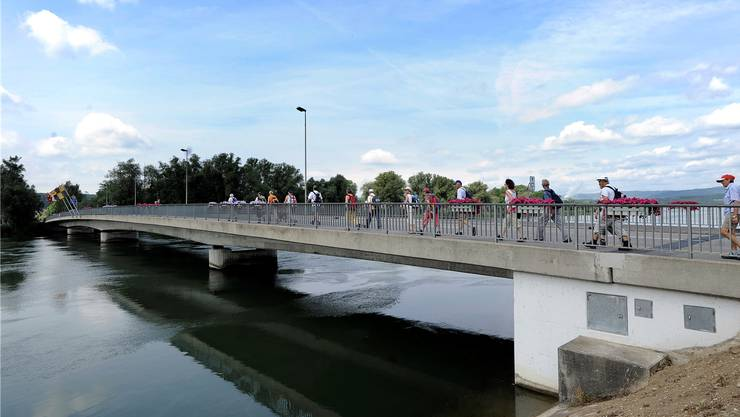 Die Brücke führt von Döttingen nach Böttstein.Bild: E. Freudiger/Archiv