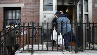 Lieferung von Lebensmitteln und Schutzmaterial für Bedürftige im Stadtteil Bronx in New York. Mehr als jede vierte Person in diesem Stadtteil soll mit Covid-19 infiziert sein. (Archivbild)