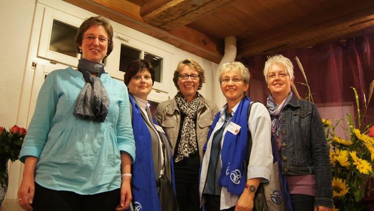 Vertreterinnen vom Frauenbund, der Frauengemeinschaft und die Referentin (von links): Jolanda Wüstner Mendoza, Beatrice Hausherr-Julier, Brigitte Glur, Beatrice Hausherr-Julier und Theres Honegger.  kob