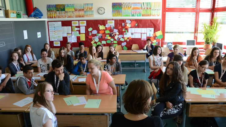 Elf  Schülerinnen und Schüler aus der polnischen Gemeinde Majdan-Krolewski besuchen derzeit ihre Brieffreunde im Schulhaus Kalktarren in Schlieren.