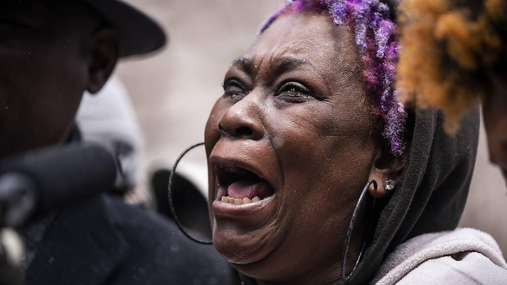 US-Polizistin nach Tötung eines Schwarzen wegen Totschlags angeklagt