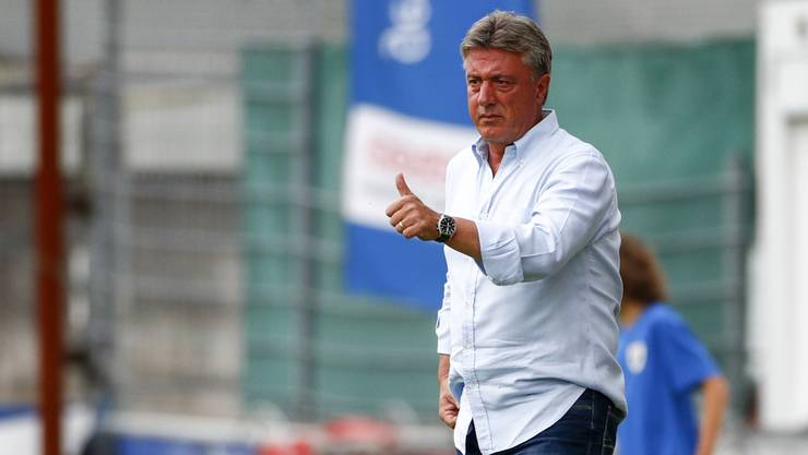 Marco Schällibaum will weiter FCA-Trainer bleiben.