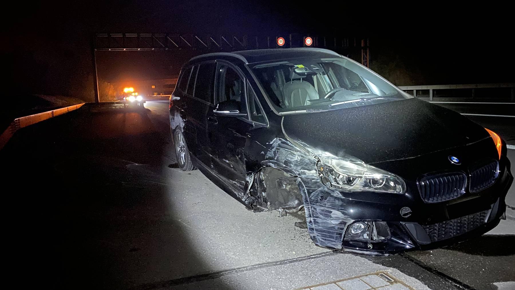 Der Lenker hatte beim Unfall das rechte Vorderrad verloren.