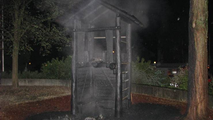 Das Holzspielhaus war nicht mehr zu retten.