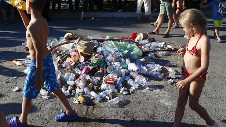 Müllhaufen als Zeichen der Verachtung für Nizza-Attentäter
