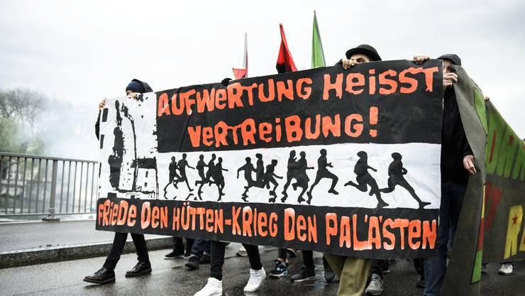 Brennendes Thema: Junge Demonstranten stellten bezahlbaren Wohnraum ins Zentrum, etwa die Wagabunten-Siedlung.