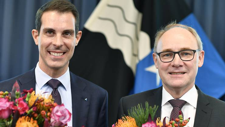 Thierry Burkart (FDP, 99'372 Stimmen) und Knecht Hansjörg (SVP, 73'692 Stimmen) freuen sich über die Wahl.