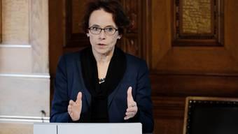 Regierungsrätin Eva Herzog an der Medienorientierung zum Jahresbericht 2015 des Kantons Basel-Stadt.