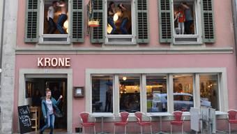 Bald still und leer? –Das Restaurant Krone beim Dreh zum Musikvideo «Happy» im März.