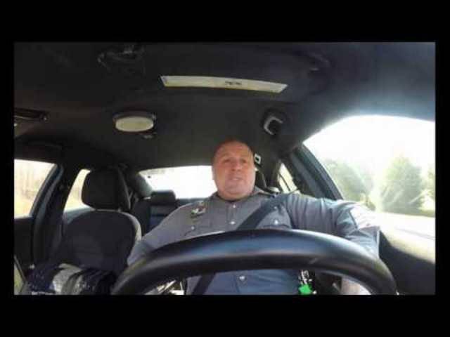 Youtube-Hit des Dover Police Departments: Singender Polizist