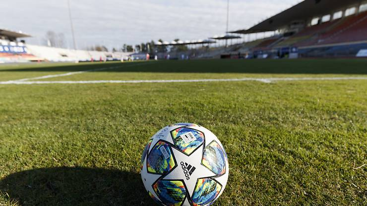 Noch ist wegen der Coronavirus-Pandemie unklar, wann der Fussball in den Schweizer Stadien wieder rollt