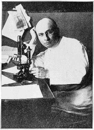 Der französische Chirurg Alex Carrel entwickelt mit seinem amerikanischen Kollegen Charles Guthrie die Technik der genähten Gefässverbindung und verpflanzt in den Jahren danach mehrmals erfolgreich Organe bei Tieren. 1912 erhielt er für seine Erfindung den Nobelpreis.
