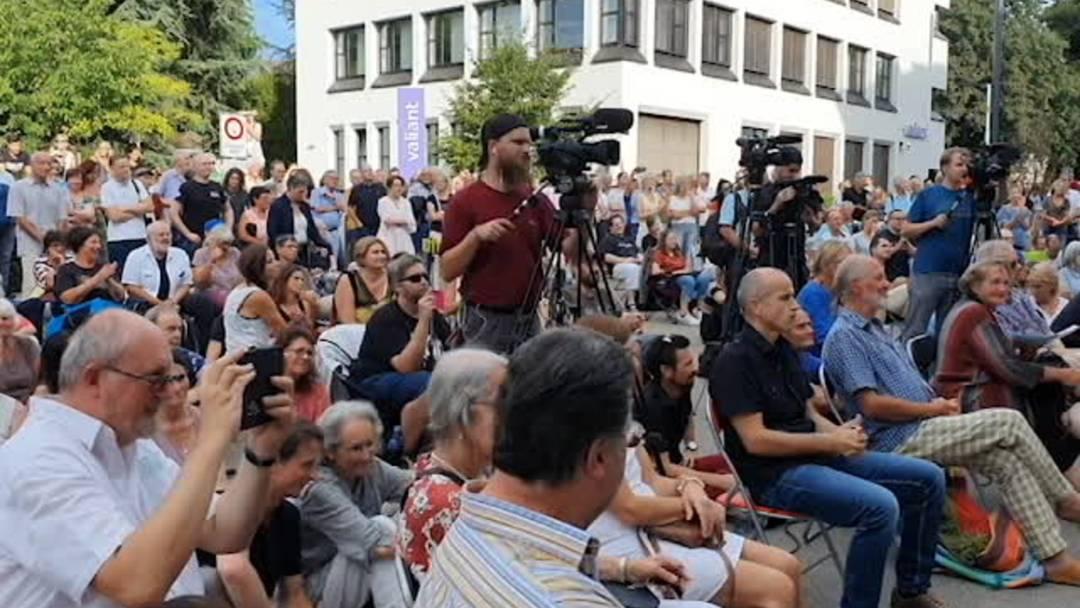 Eindrücke vom Coronapodium mit Nationalräten und Skeptikern in Aarau