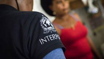 In 13 Ländern der Karibik und Lateinamerikas sind rund 350 Opfern von Menschenhändlern befreit worden. Interpol informierte über die koordinierte Polizeiaktion.