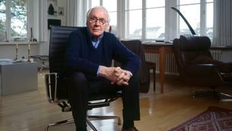 Werner Düggelin im Jahr 2009 in seiner Basler Wohnung: Basel ist er bis zu seinem Lebensende treu geblieben.