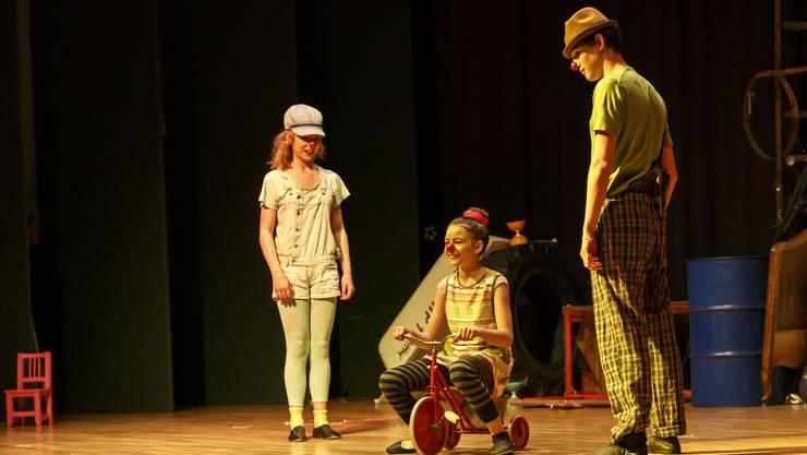 Aufführung des Zirkus Pitypalatty