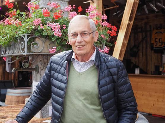 Alfons Hosp, 76, aus Ennetbaden lobt die gute Organisation des Dorffests, das grosse Angebot an Attraktionen und dass für diese kein Eintritt verlangt wird.