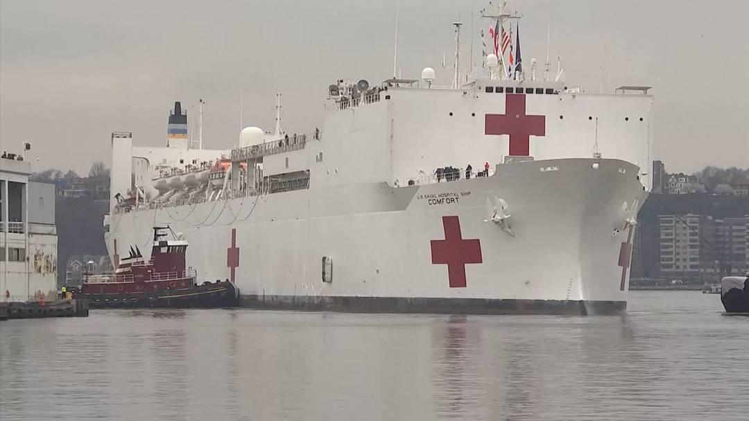 Im Kampf gegen Coronavirus: US-Spitalschiff erreicht New York
