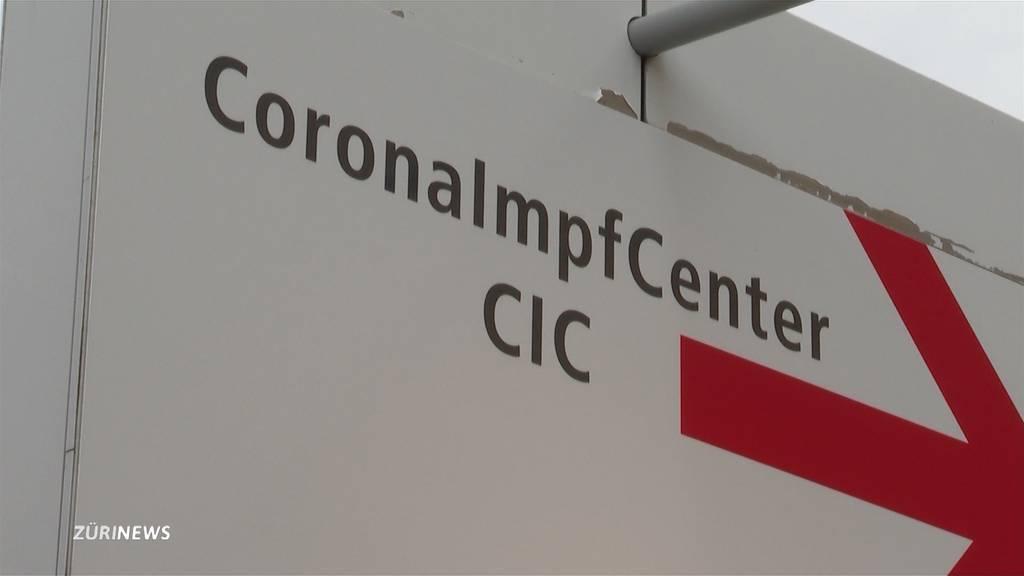 Impftourismus in der Schweiz: Zürcher lassen sich im Kanton Schwyz impfen