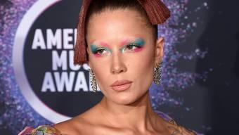 Halsey sieht sich künstlerisch durchaus in der Tradition von Lady Gaga.