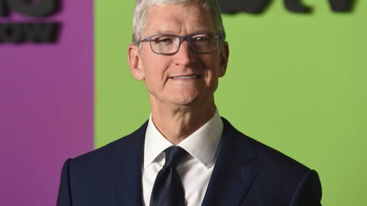 Apple-Chef Tim Cook verdiente 2019 rund einen Viertel weniger als im Vorjahr. (Archivbild)