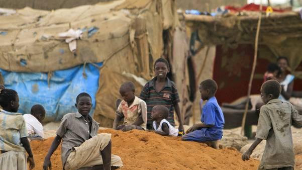 Kinder in einem Flüchtlingslager in der Nähe von Khartum
