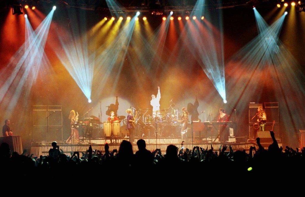 Die Kelly Family in Aktion bei einem Konzert im Hallenstadion in Zürich am 6. März 1998. (© Keystone)