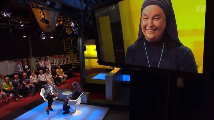 Schwester Benedikta bei Kurt Aeschbacher in der Sendung.