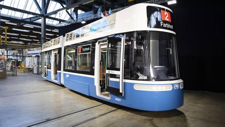 """Blick auf die Maquette des neuen Züri-Trams """"Flexity"""", aufgenommen am Dienstag, 24. April 2018 in Zürich"""