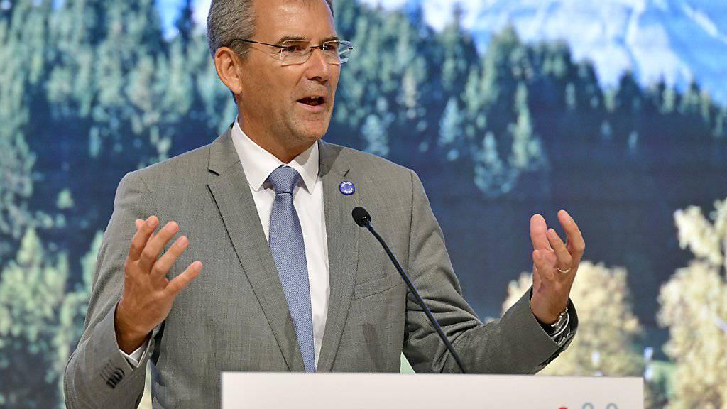 Die EU-Finanzminister haben am Samstag in Wien beschlossen, sich bis zum Jahresende auf eine Übergangslösung einigen zu wollen. Dies sagte der österreichische Finanzminister und EU-Ratsvorsitzende Hartwig Löger.