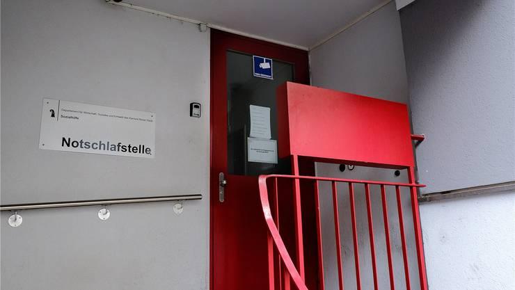 Das Wirtschafts- und Sozialdepartement (WSU) des Kantons Basel-Stadt will wieder eine gemeinsame Notschlafstelle für Männer und Frauen. Kenneth Nars/Az Archiv