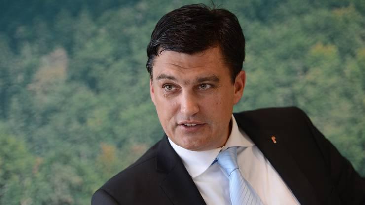 Steht im Nahkampf mit regionalen Medien: Wirtschaftskammer-Direktor und FDP-Landrat Christoph Buser.