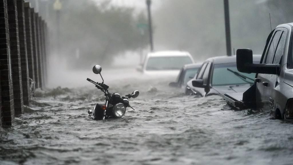 Starke Überschwemmungen durch Sturm «Sally» an US-Golfküste