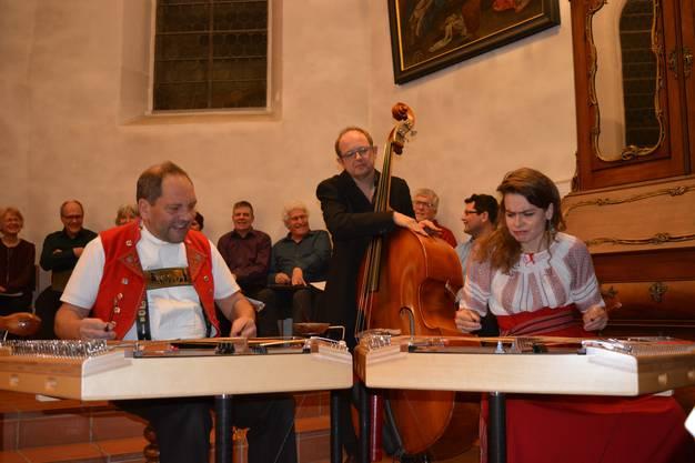 Das Trio Anderscht v.l. Fredi Zuberbühler, Roland Christen und Andrea Kind